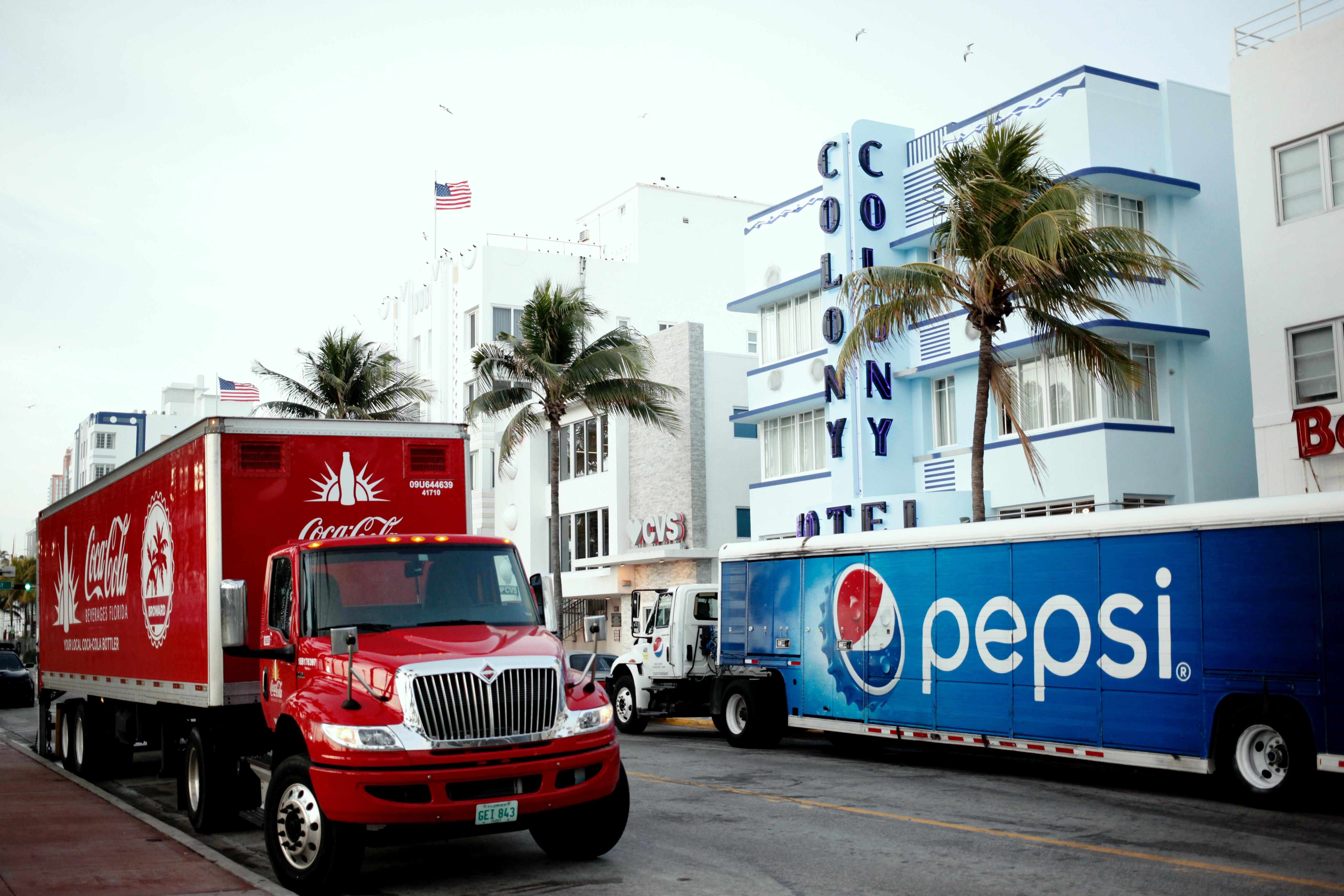 coca-cola-truck-and-pepsi-call